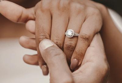 Cubic Zirconia vs Diamond - What Should You Choose?