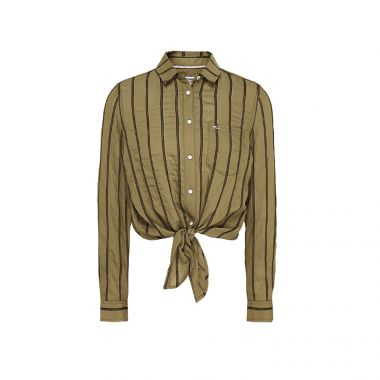 TOMMY JEANS FRONT KNOT FLAG PATCH SHIRT IN OLIVE